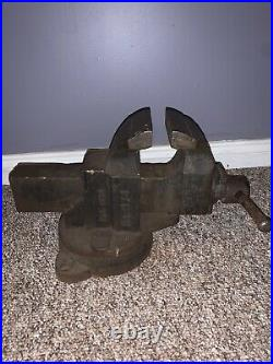 CHAS PARKER 974 SWIVEL BASE BENCH VISE, 4 JAWS, 63 LBS. Removable Jaw