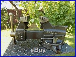 CRAFTSMAN 4-1/2'' JAW BENCH VISE, HEAVY DUTY, WithSWIVEL BASE & PIPE GRIP, 25 LB VICE