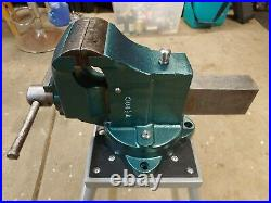 Charles Parker 384 1/2 swivel base and jaw bench vise