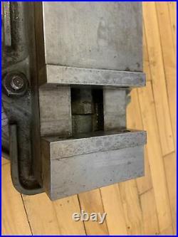 Kurt AngLock D40 precision machine vise with swivel base