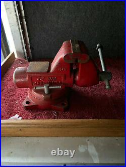 Snap-on 4 1/2 Bench Vise with Swivel Base & Pipe Jaws Opening
