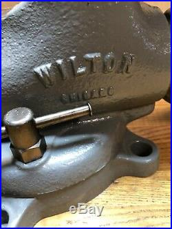 Vintage 1940s Chicago Wilton 4 1/2 Bullet Vise Swivel Base