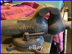 Vintage 4, Wilton, made in Chicago USA, #4 vise on a swivel base