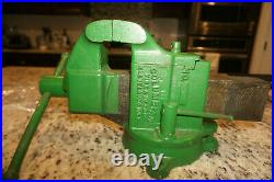 Vintage Columbian Bench Vise No. 404. Swivel base & Swivel jaw. Machinist mechanic