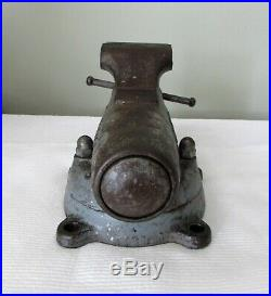 Vintage Early 1941-42 WILTON Bullet Vise No. 3 CHICAGO with Swivel BaseVery Nice