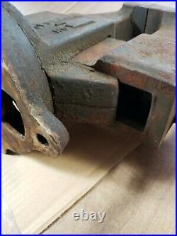 Vintage Rare Columbian No. 604 Swivel Base Bench Vise