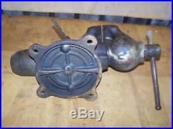 Vintage Wilton Bullet Vise 4-1/2 Jaw Chicago 7-945 locking Swivel Base