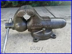 Vintage Wilton Bullet Vise Early Chicago Mfg. 4-1/2 Jaw Locking Swivel Base