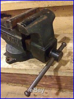 Vintage Wilton Schiller park 5 inch jaws swivel base with anvil vise