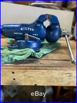WILTON Bullet Vise No. 945 with Swivel Base, 4.5 Jaws Dated 12 / 1951