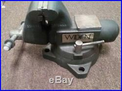 Wilton 1755 Tradesman 5 1/2 Jaws Vise With Pipe Jaws And Swivel Base