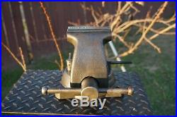 Wilton 744 Mechanic's Vise, 4'' Jaw, With Swivel Base & Pipe Grips 36 Lb Vice