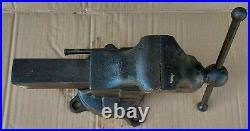 Yost Bench Vise 204 with Swivel Base, 4 Jaws, EXCELLENT! Free Shipping! Vintage